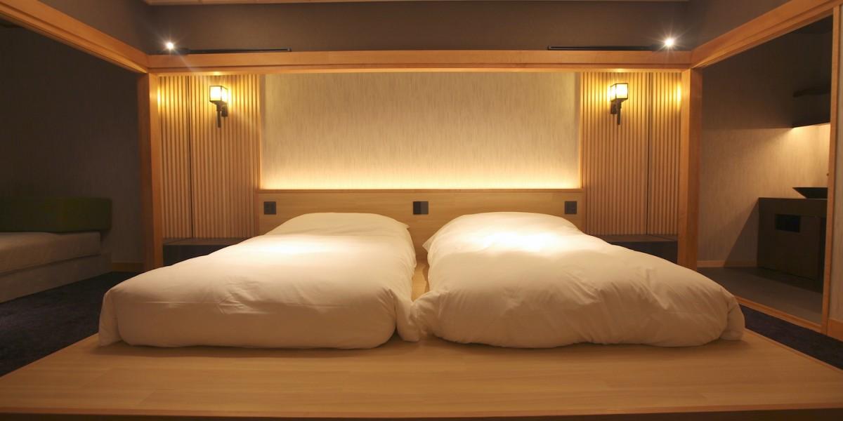 BEDROOM NIGHT1